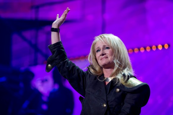 Nicole, très émue face à une longue standing ovation