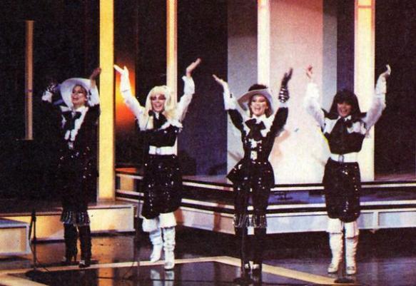 """""""Doce"""" sur la scène du Concours Eurovision 1982"""