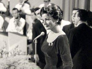 Lys Assia au Concours Eurovision de la Chanson à Lugano (Suisse) en 1956